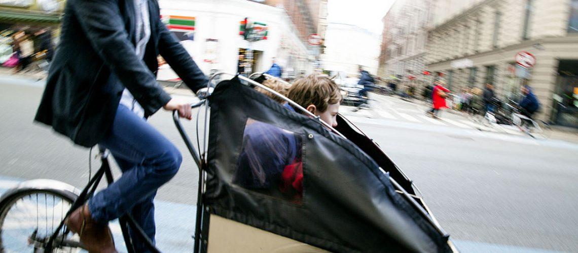 Una cargo bike sulle strade di Copenaghen (foto commons.wikimedia.org).