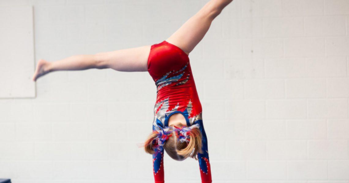 handstand-maedchen (1)