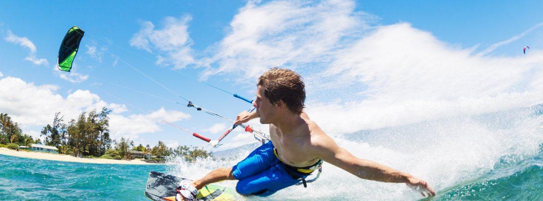 kite-surfing-P7VZZAT